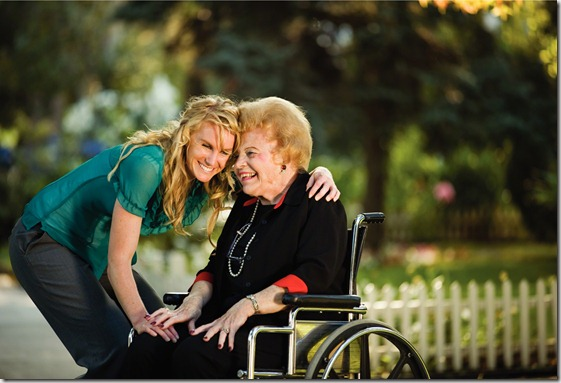 women-wheelchair-hugging-827992-wallpaper